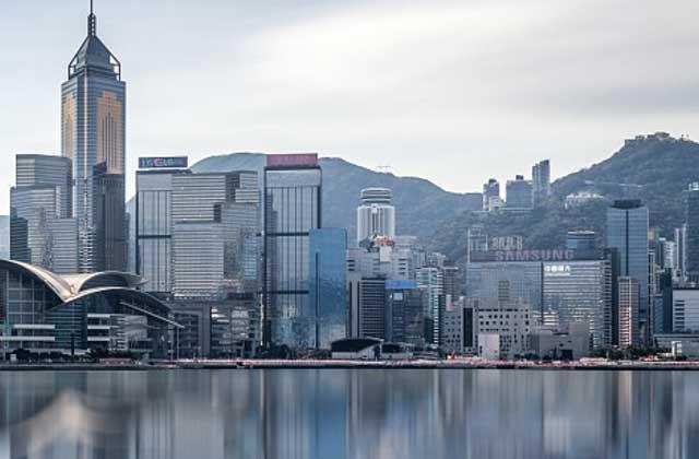 百威之后阿里之前,多空交战香港IPO下半场